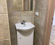 Na prenájom 3 izbový byt 64 m2 kompletná rekonštrukcia Handlová FM1160