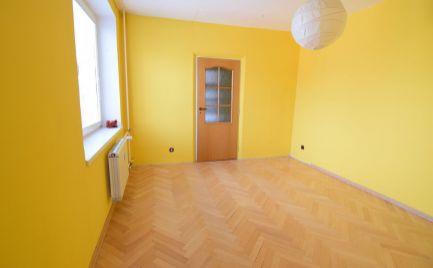 EXKLUZÍVNE -   Veľkometrážny 4 izbový byt v centre Martina