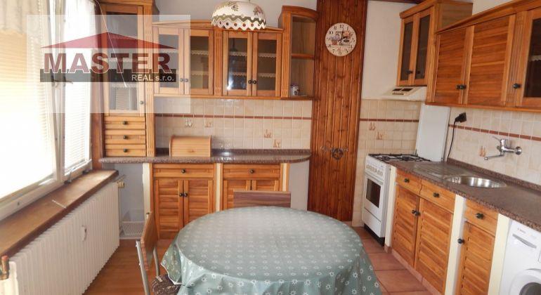 MASTER REAL- Na Predaj 3-izbový byt, 88 m2, 4x- loggia okres Prievidza, Centrum
