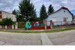 Predaj staršieho RD s dvomi dvojizbovými bytovými jednotkam + veľká záhrada v obci Orechová Potôň.  Cena 89 990€