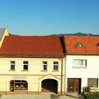Rodinný dom, Nitrianske Pravno, 392 m², Kompletná rekonštrukcia