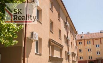 Bytový zateplený tehlový dom po kompletnej rekonštrukcii - investičná príležitosť