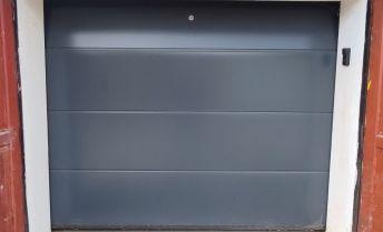 Veľkometrážna garáž na ul. Hodžova, TN