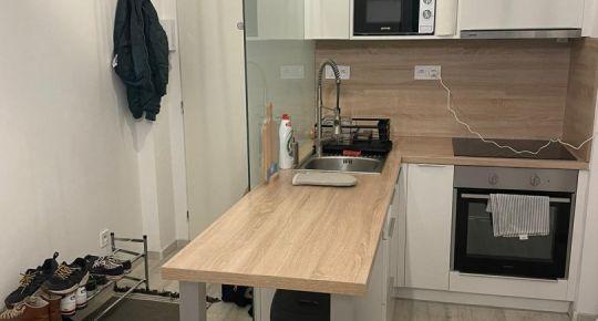 Exkluzívne ponúkame na predaj slnečný 1 izbový byt vo vyhľadávanej lokalite v BB časť Radvaň.