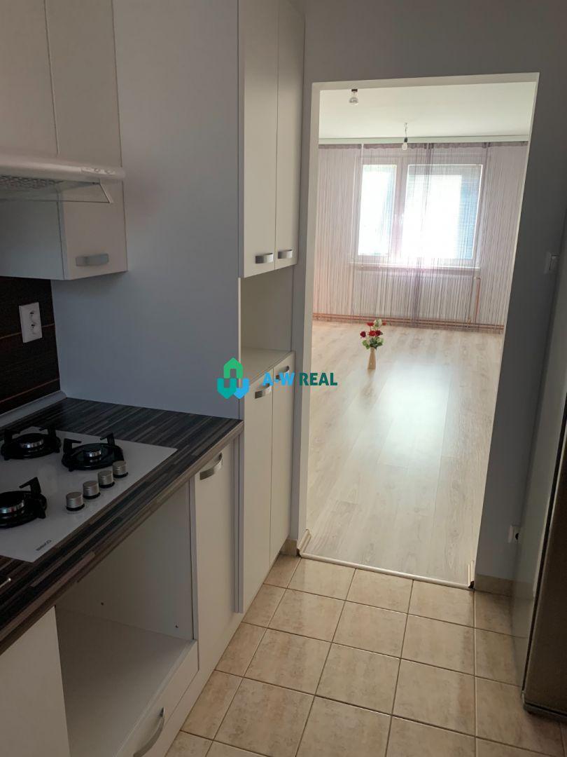 Kompletne zrekonštruovaný 4 izbový byt na sídlisku Boriny.