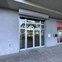 Objekt pre obchod, Bratislava-Petržalka, 48 m², Kompletná rekonštrukcia