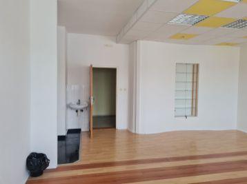 Kancelárske priestory /38m2/ na Hattalovej ulici v blízkosti Polusu