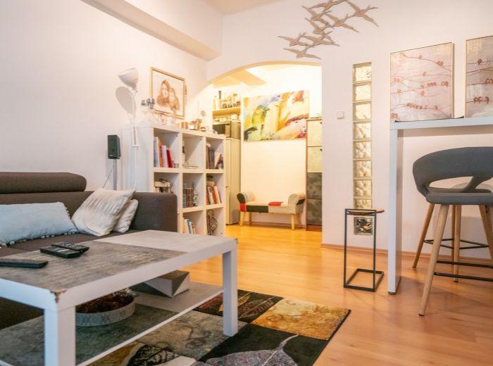 KRÍŽNA, 2-i byt, 46 m2 – KOMPLET ZARIADENÝ, OC Central a centrum mesta na pešo, PARKOVANIE VO DVORE