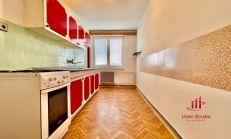 3 izbový svojpomocný  byt s garážou a loggiou, Ďulov Dvor
