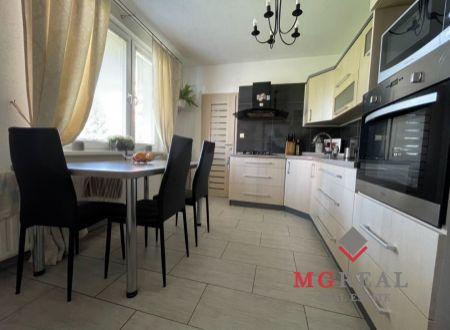 3 izbový byt prerobený na 4 izbový s balkónom Topoľčany