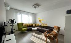 ODPORÚČAM: 3i byt s loggiou po kompletnej rekonštrukcii, klimatizácia, GARÁŽ - Bulíkova ul. Petržalka - cena vrátane energii, KTV aj internetu