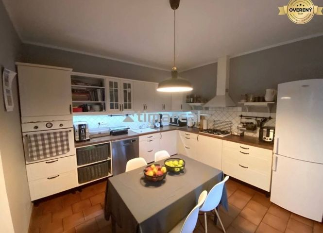 Rodinný dom - Zvončín - Fotografia 1