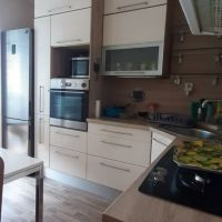3 izbový byt, Bratislava-Petržalka, 70 m², Kompletná rekonštrukcia