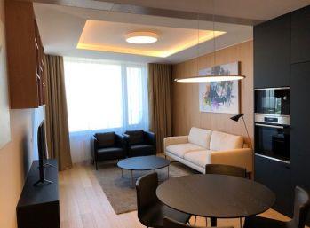 Ba I. Luxusný byt v SKYPARK