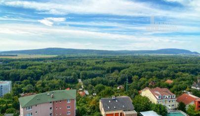 REZERVOVANÉ: Kompletne prerobený 3-izb. byt na predaj s krásnymi výhľadmi na lužné lesy