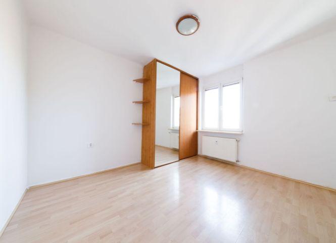1 izbový byt - Bratislava-Nové Mesto - Fotografia 1