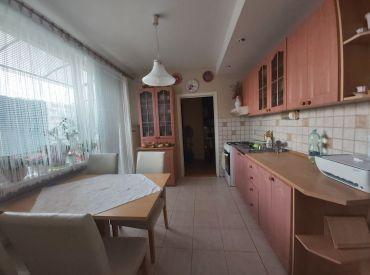 3 - izbový byt  čiastočná rekonštrukcia 75 m2 - Levice