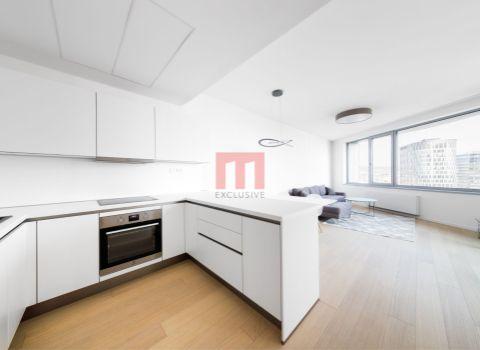 Na prenájom priestranný 3 izbový byt v projekte SKY PARK s výhľadom na televíznu vežu Kamzík