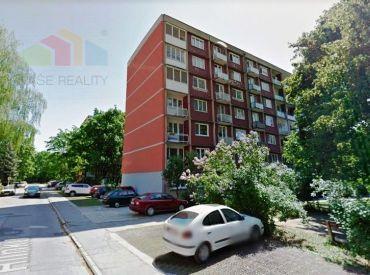 3-izbový byt, 70m2, 3x balkón PIEŠŤANY /A. Hlinku