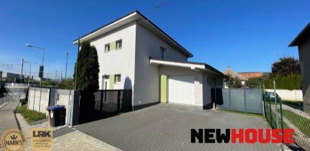 Ponúkame Vám na predaj 5 izbový rodinný dom s tromi parkovacími miestami v Trenčíne na ul. Vlárska