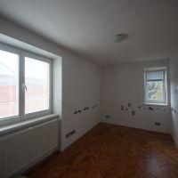 3 izbový byt, Piešťany, 62 m², Čiastočná rekonštrukcia