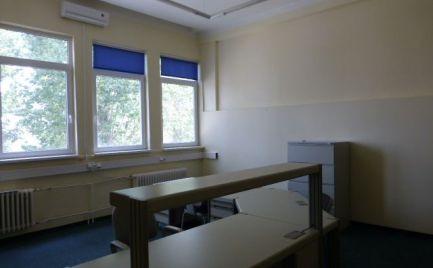 Na prenájom samostatný blok kancelárskych priestorov 475 m2 na Bojnickej ul.