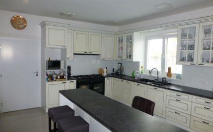 Na predaj novostavba veľkého 6i rodinného domu aj pre náročnejšieho klienta.