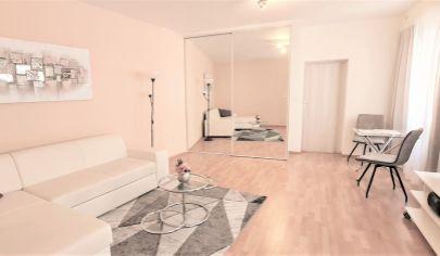 Prenájom – 2 izbový kompletne zariadený apartmán – Obchodná ul. – Staré mesto BA I. TOP PONUKA !