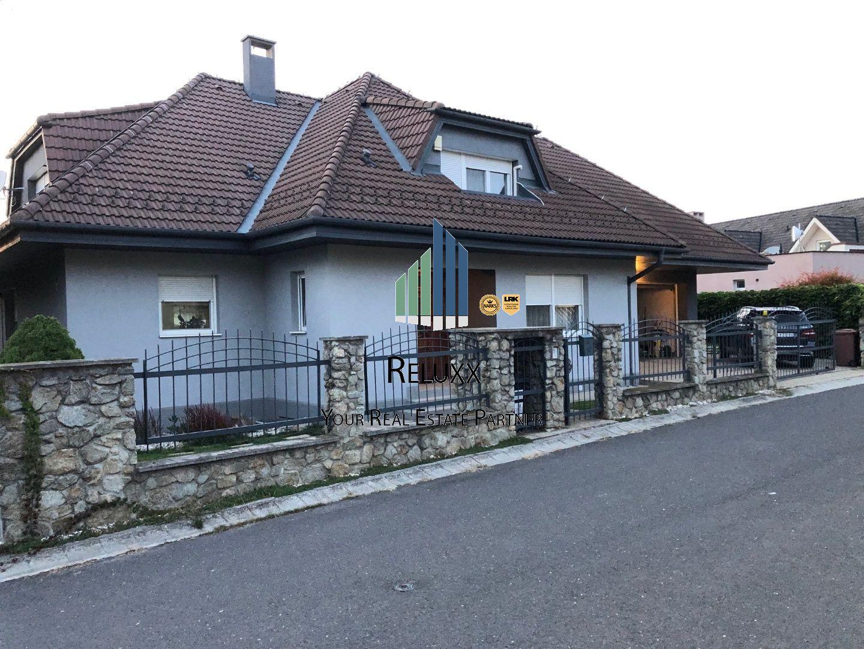 Rodinný dom-Predaj-Bratislava - m. č. Záhorská Bystrica-790 000 €