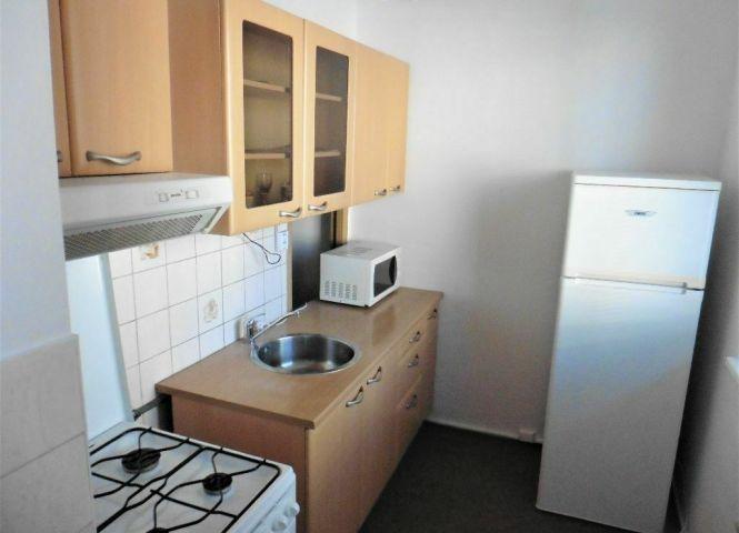 1 izbový byt - Bratislava-Dúbravka - Fotografia 1