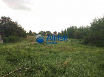 Pozemok vhodný pre developera v centre obce Diakovce