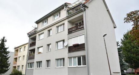 Kuchárek-real: Ponúka 2 izbový byt vo vyhľadávanej lokalite Trnavská ul. Pezinok.