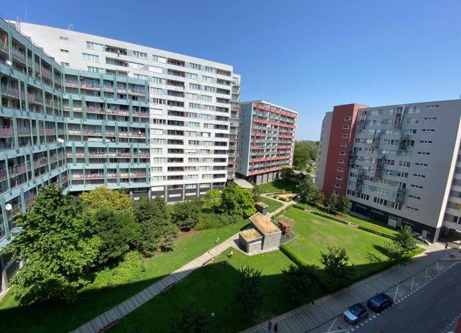 3 izbový byt - Bratislava-Ružinov - Fotografia 1