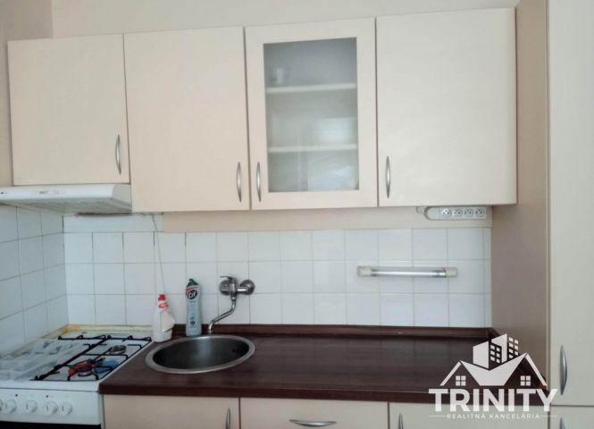 1 izbový byt - Nové Zámky - Fotografia 1