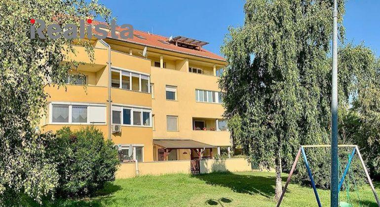Klimatizovaný, čiastočne zariadený 3i byt na Záhradníckej v DS