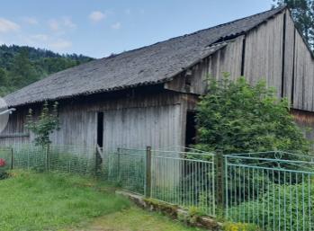 Nové bývanie RK Vám ponúka na predaj veľký pozemok s RD vo Veľkej Lesnej.