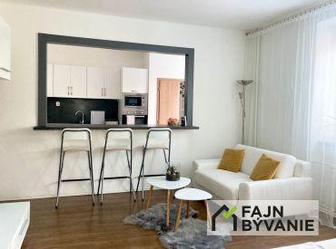 Už len sa nasťahovať !! Na predaj krásny, slnečný a veľký  2 - izbový byt centre Piešťan.