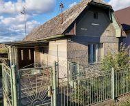 Predaj gazdovského domu s veľkým pozemkom na polosamote pri Jesenskom.