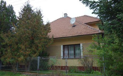 Rodinný dom v malebnom prostredí Drietomy časť Brúsne s 505 m2 pozemkom