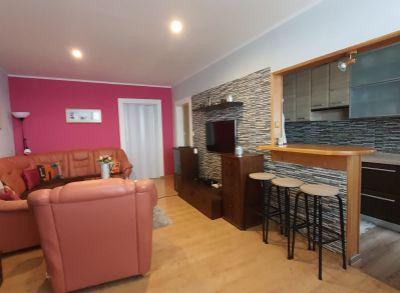 NA PRENÁJOM - REZERVOVANÉ - Zariadený 2,5 izbový byt s balkónom na Okružnej ulici