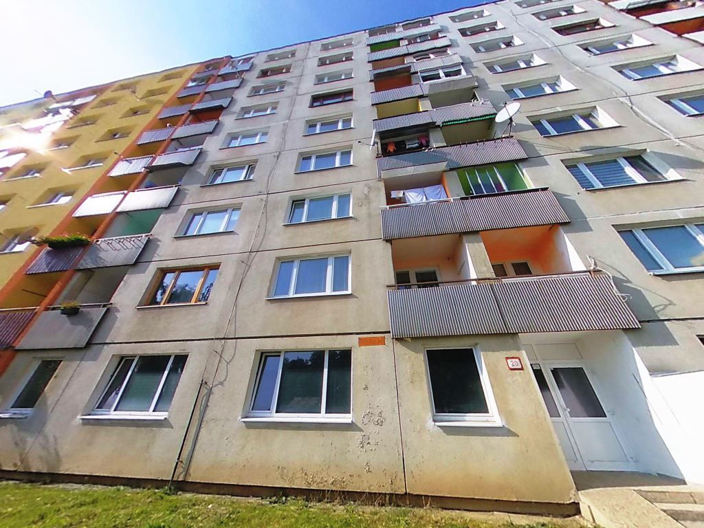 Na predaj kompletne rekonštruovaný 3 izbový byt s balkónom Levoča - 1