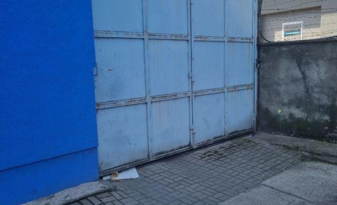 SKLAD 120 m2 NOVÉ MESTO v uzavretom areáli obchodného centra