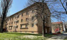 Tehlový obytný dom s 2 izbovými bytmi na predaj, Komárno
