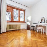 3 izbový byt, Bratislava-Staré Mesto, 1 m², Čiastočná rekonštrukcia
