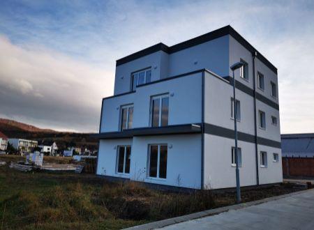 Nový 2 izbový byt C, 60,89 m2+ terasa, parking, SPA REZIDENCE, Banka, okr. Piešťany