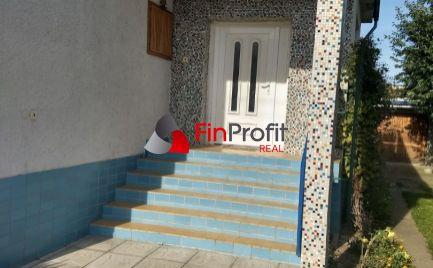 Ponúkame Vám na predaj krásnom prostredí v tichej lokalite rodinný dom v meste Topoľčany