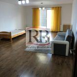 Na predaj kompletne zrekonštruovaný 1-izbový byt na Kresánkovej ulici v lokalite Dlhé diely