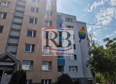 Na predaj 3-izbový byt na Pribišovej ulici v Karlovej Vsi- Dlhé Diely