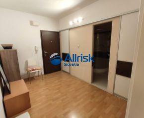 Rezervovaný ! Pekný 3-izbový byt prerobený na 4-izbový s balkónom a pivnicou