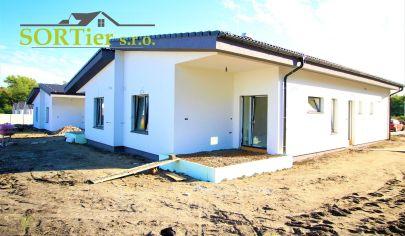 4 IZBOVÝ Rodinný  DOM v obci KOSTOLIŠTE (nie Alej M.Benku)posledné 2 voľné domy